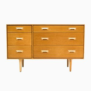 Concord Oak Chest of Drawers by John & Sylvia Reid for Stag, 1960s