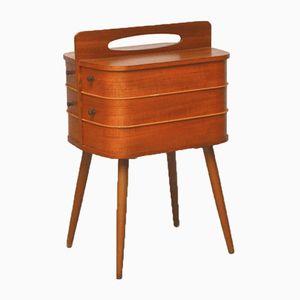 Caja para costura con patas cónicas, años 60