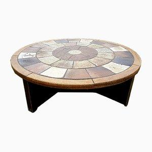 Mesa de centro redonda de cerámica y roble de Tue Poulsen para Haslev, años 60