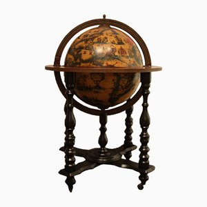 Mueble bar francés en forma de globo terráqueo
