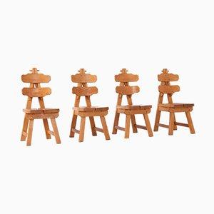 Brutalistische spanische Eichenholz Esszimmerstühle, 1970er, 4er Set