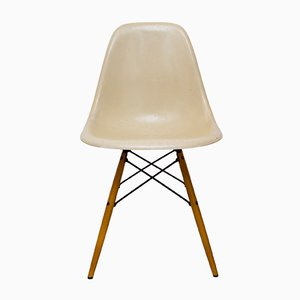 Vintage DSW Chair by Charles & Ray Eames for Vitra