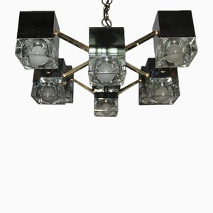 Lámpara de araña italiana cúbica de latón, vidrio y metal cromado de Gaetano Sciolari, años 70
