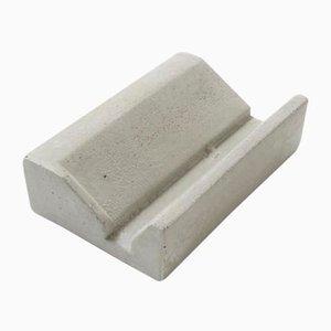 Piattino per sapone in cemento di Ulf Neumann per rohes wohnen, 2018