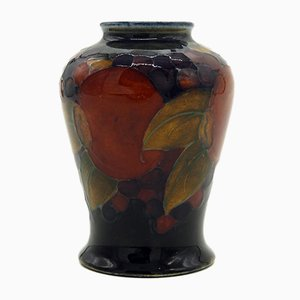 Rote Vase von William Moorcroft, 1910er