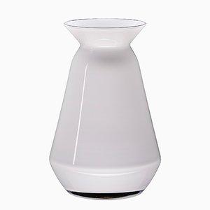 Weiße Queen Vase von Artis Nimanis für an&angel