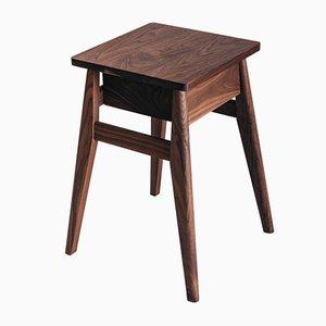 Nachttisch aus Nussholz von Jacob Pugh