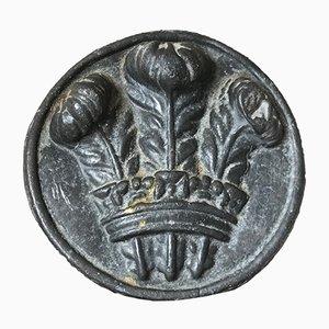 Escudo de armas real antiguo pequeño de plomo con placa del príncipe de Gales