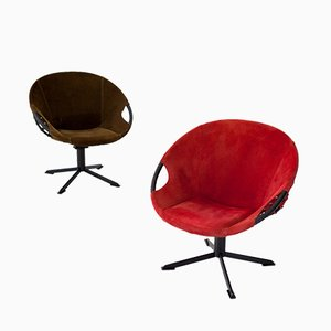 Paar olivgrün & roter Sessel aus natürlichem Wildleder, 1960er