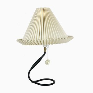Lámpara de mesa Mid-Century de Kaare Klint para Le Klint, años 60