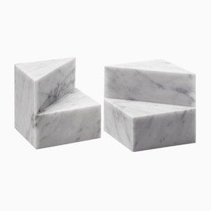 Sujetalibros Kilos cilíndrico de mármol de Carrara blanco de Elisa Ossino para Salvatori. Juego de 2