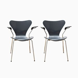 Butterfly Chairs with Armrests by Arne Jacobsen for Fritz Hansen, 1980s, Set of 2
