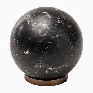 Sfera Gravity in marmo nero Marquinia di Salvatori