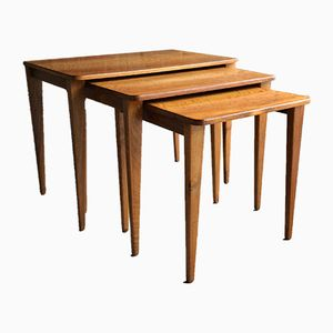 Tables Gigognes Mid-Century en Noyer et Teck par Gordon Russell, Set de 3