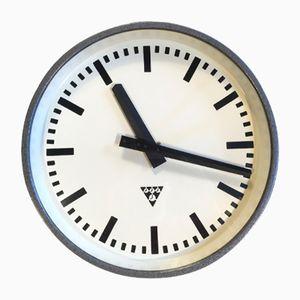 Horloge Industrielle Gris Foncé de Pragotron, 1960s