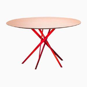 Tavolo IKI con base laccata rossa e ripiano impiallacciato in quercia di Marco Zanuso Jr. per Adentro