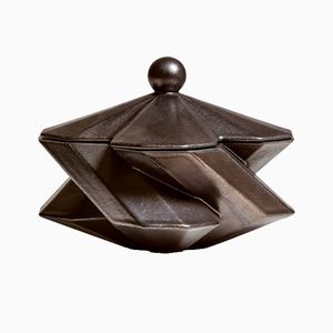 Fortress Schmuckkasten aus Keramik in Bronze-Optik von Bohinc Studio