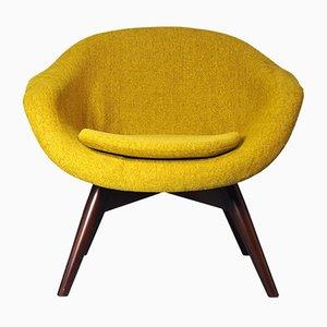Fauteuil Luna Shell Jaune Moutarde Vintage par Miroslav Navratil pour Cesky Nabytek