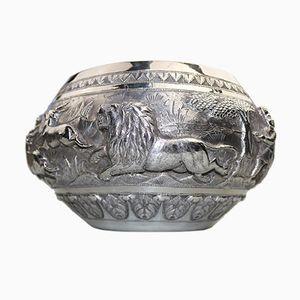 Große antike indische oder burmesische Schüssel aus massivem Silber mit Jagdmotiv