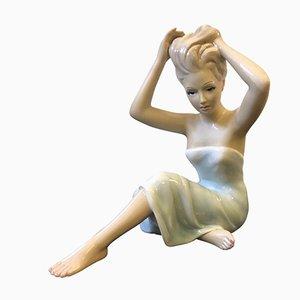 Statua raffigurante una donna in ceramica dipinta a mano di Gianni Ronzan, Italia, anni '50