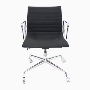 Vintage EA 117 Swivel Office Chair by Charles & Ray Eames for Herman Miller, 1958