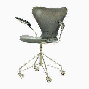Sedia girevole 3217 di Arne Jacobsen per Fritz Hansen, anni '50