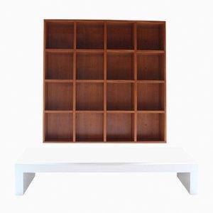 Libreria Quadrata con panca bianca di Pietro Meccani