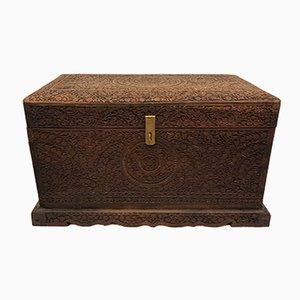 Caja de madera tallada a mano, años 30