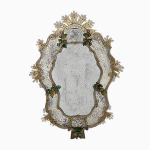 Espejo veneciano con flores de vidrio coloreado, años 40ç