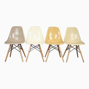 Vintage DSW Oak Chairs by Charles & Ray Eames for Herman Miller, Set of 4