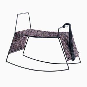 Sgabello a forma di cavallo a dondolo fatto a mano in ferro nero opaco e tessuto di Iota Hand Stitched