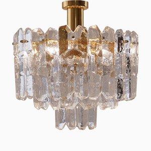 Lámpara de araña austriaca de vidrio y latón dorada de J. T. Kalmar para Kalmar, años 70