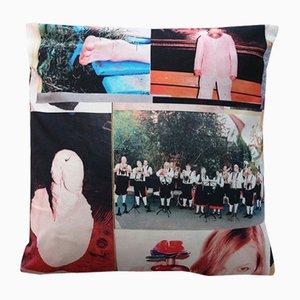 Woo Kissenbezug von Henzel Studio, 2014