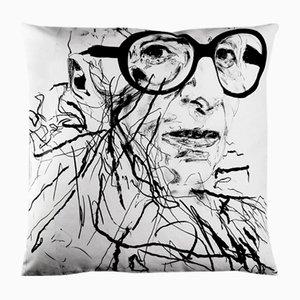 Funda de cojín Iris Apfel Pillowcase de Robert Knoke para Henzel Studio, 2014
