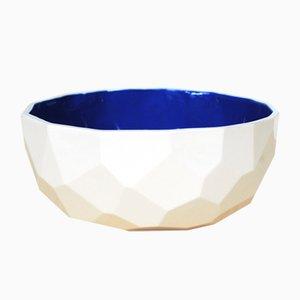 Blaue Schale in Polygon-Optik von Studio Lorier