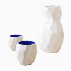 Blaues Sake Set in Polygon-Optik von Studio Lorier
