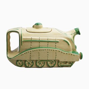 Britische Kunstkeramik Teekanne aus Lokomotiven-Optik, 1930er