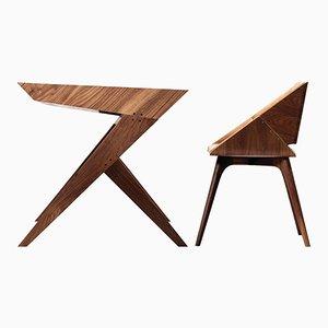 Scrivania Locust in legno di noce con sedia di Alexandre Caldas