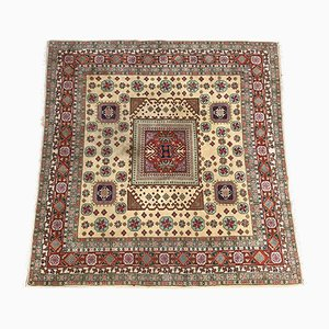 Quadratischer transsylvanischer Mid-Century Teppich