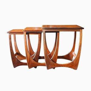 Tavolini ad incastro in teak di Victor Wilkins per G-Plan, anni '70, set di 3