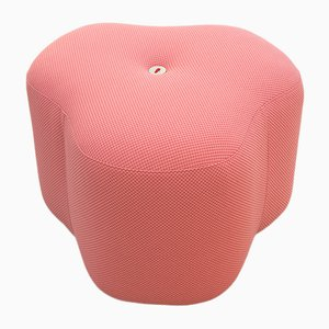 Pinker Poppy Bloom Hocker von Nicolette de Waart