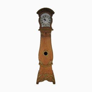Antike geschnitzte Standuhr