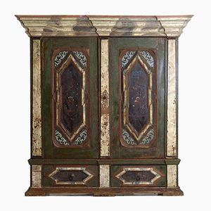 Armoire Antique Scandinave