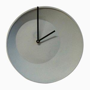 Orologio a muro Off-Center di Studio Lorier