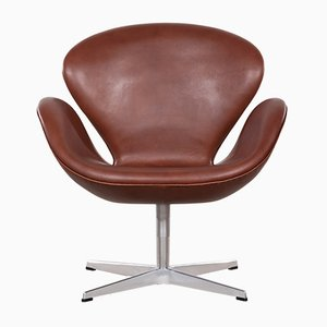 Vintage 3320 Swan Chair in Brown Leather by Arne Jacobsen for Fritz Hansen