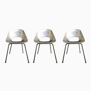 Sillas Tonneau de aluminio de Pierre Guariche, años 50. Juego de 3