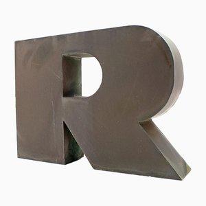 Letra R de publicidad grande de cobre, años 60