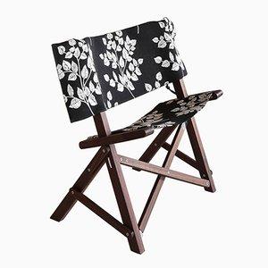 Sedia Dino in noce e tessuto di Tonuccidesign per Tonucci Manifestodesign