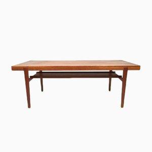 Dänischer Teak Tisch mit Ablage, 1960er