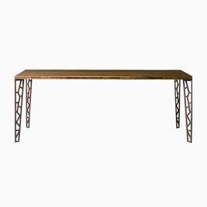 Tavolo grande con ripiano in legno naturale oliato e gambe in metallo perforato di DALE Italia